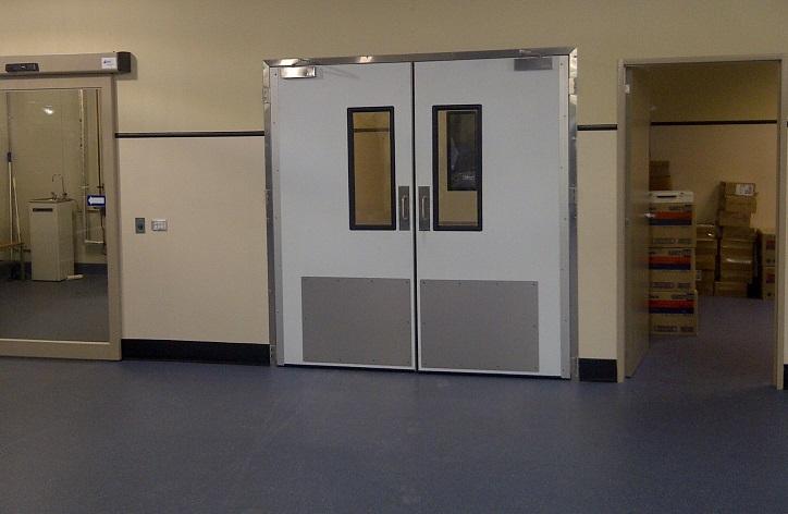Remax Coldshield 4500 Series Hospital door