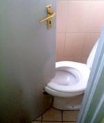 poorly-designed-toilet-in-bathroom