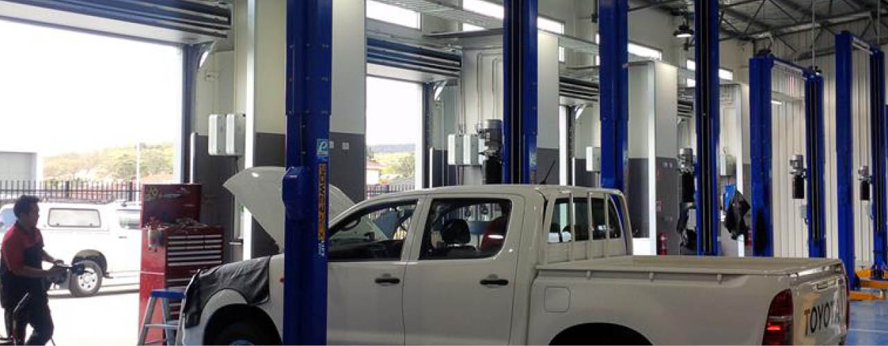 Thermal Auto car showroom doors
