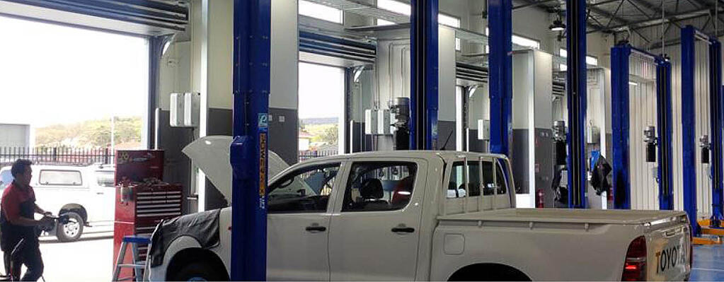 Thermal Auto car showroom doors